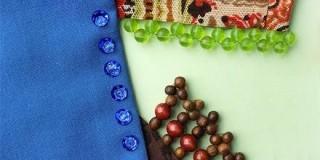 Как украсить одежду бусинами?