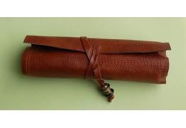 Кожаный пенал-сверток для карандашей
