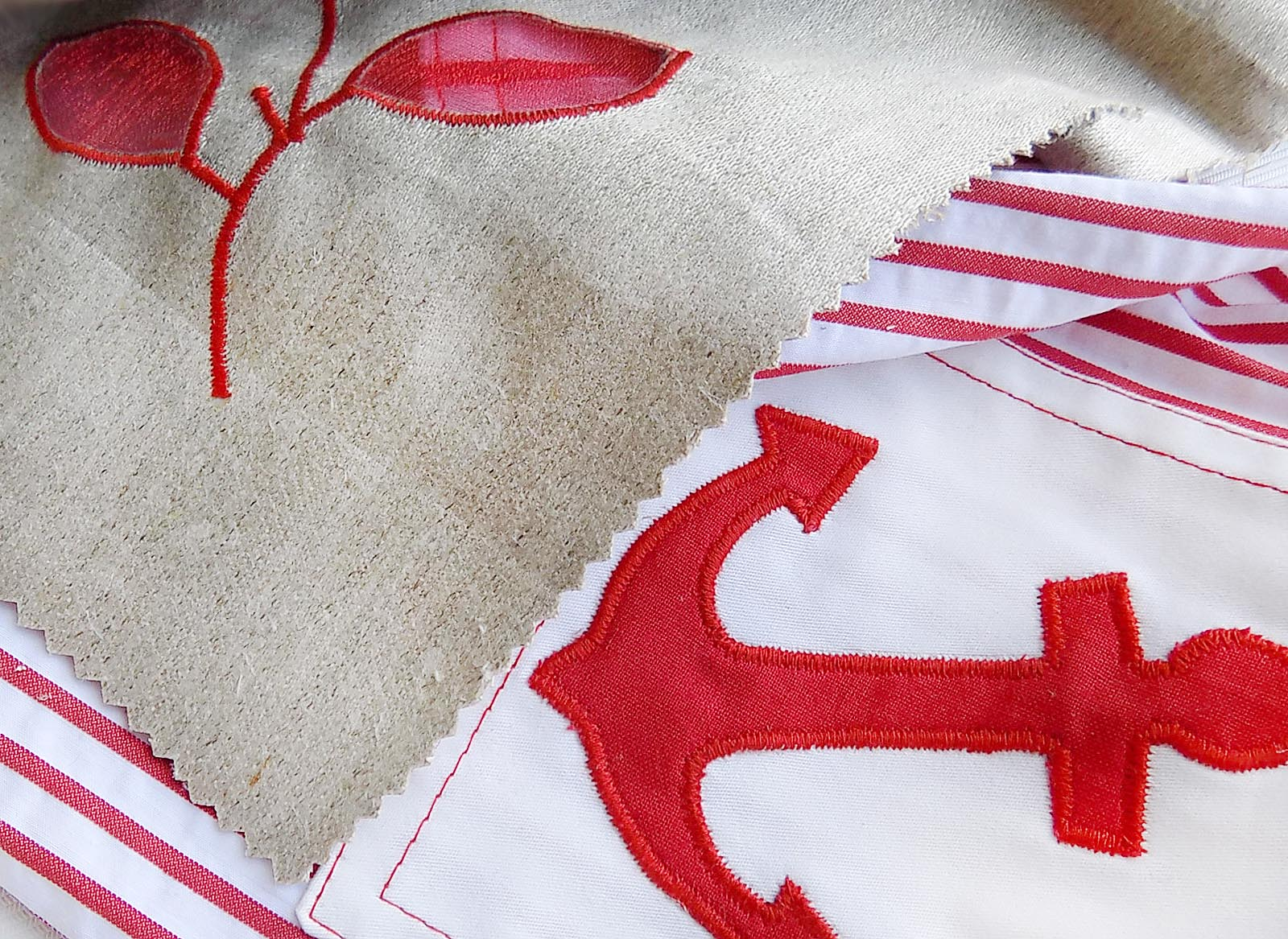 Как сделать аппликацию на ткани машинкой